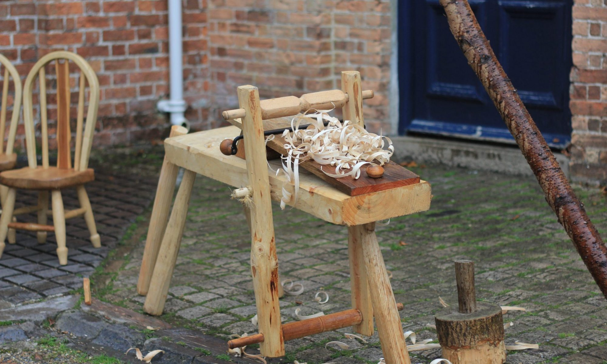 Make a shave horse in 2 days green woodworking courses in devon with alasdair kilpatrick